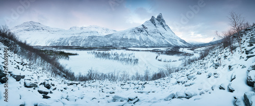 Foto auf AluDibond Licht blau Beautiful landscape scene with Signaldalelva river and Otertinden mountain in background in Northern Norway . Sunset or sunrise in Mountains And Fjords, Winter Landscape.