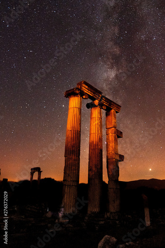 Photo  Night star exposure in ancient city of Aphrodisias