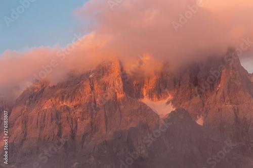 Montage in der Fensternische Lachs Mount Costazza peak in beautiful sunset, Dolomite, Italy