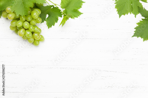 Deurstickers Graffiti collage Green grape with leaves