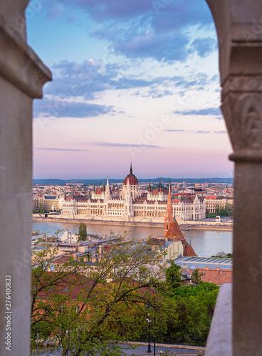 Obraz na plátně  View on the Hungarian Parliament, Budapest