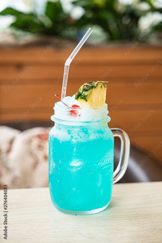 Fototapety, obrazy: summer lemonade in the cafe