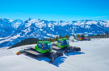 Snow Grooming Vehicles On Schm...