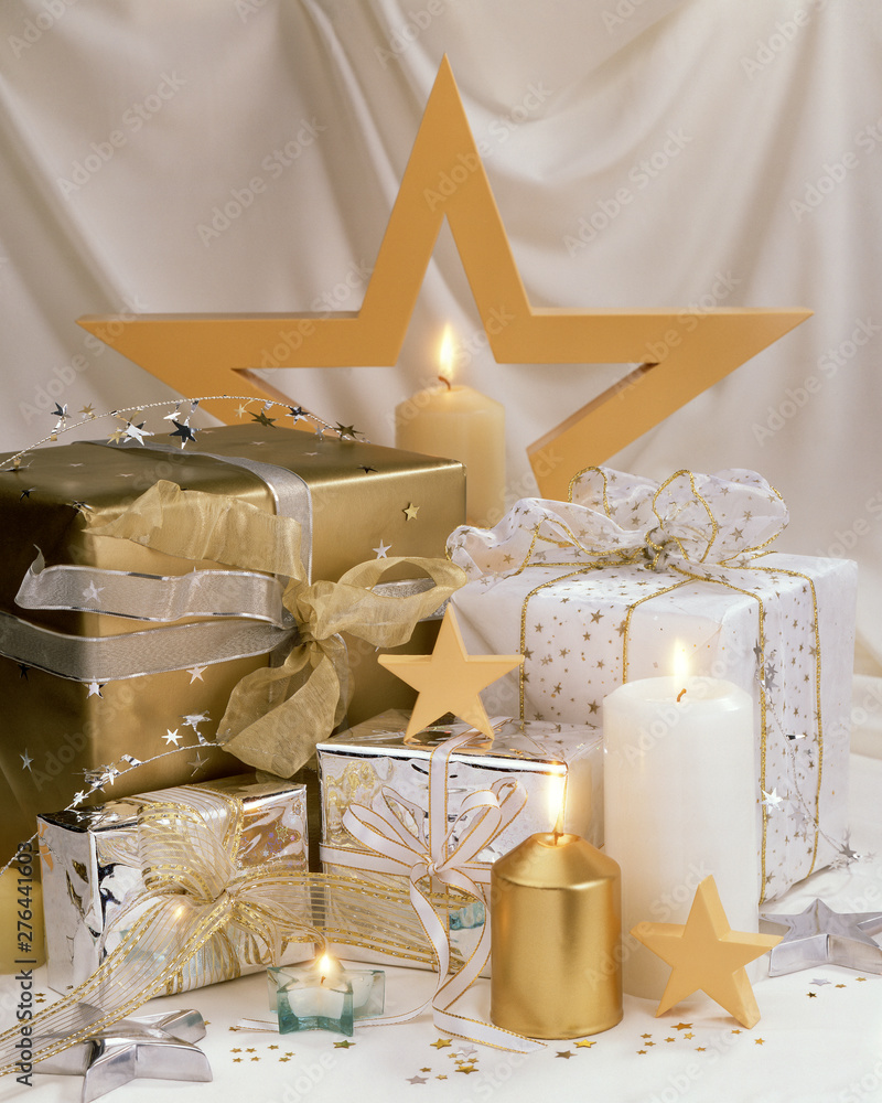 Fototapety, obrazy: A layout of holiday gifts with candles and stars