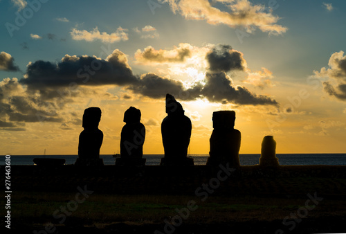 Silhuette of Ahu Vai Uri in the archaeological site of Tahai on Easter Island Canvas Print