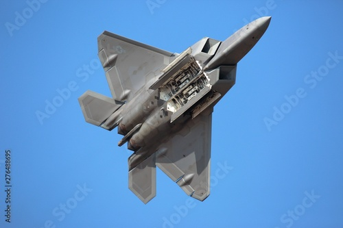 Hillsboro, Oregon \ USA - 21 September 2014: A US Air Force F-22 Raptor performs Canvas Print