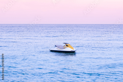 Poster Nautique motorise Wide summer tropical seascape pink tone Sunset or sunrise sky in Samui with Jet Ski
