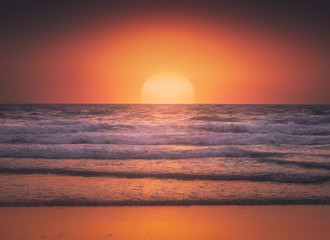 Fototapeta Do salonu Seascape background of beautiful sunset in the sea in summer