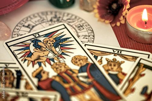 Tarot de Marseille tirage de carte divinatoire en cartomancie Fototapeta
