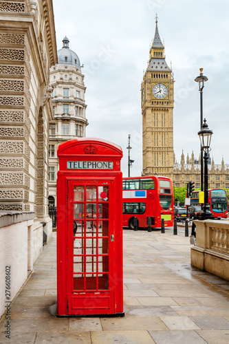 Foto op Canvas Londen rode bus Central London, England
