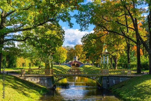 Fototapeta park saint-petersburg-russia-bridges-in-the-summer-park-multicolored-patterned-bridges-petersburg-park-architecture-leningrad-region-pushkin-surroundings-of-st-petersburg-travel-to-russia