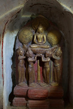 Buddhist Statues Inset In Alcove Of The Ananda Phaya Temple