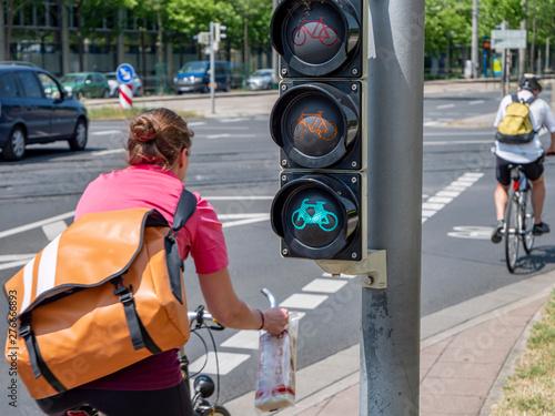 Cadres-photo bureau Amsterdam grünes Licht für umweltfreundliches Fahrradfahren