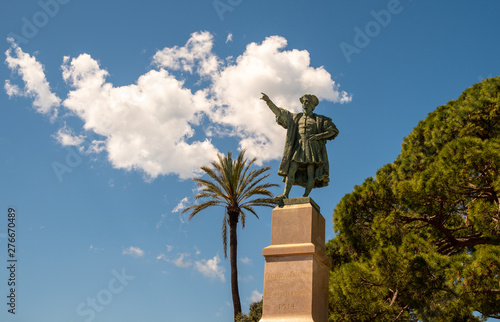 Foto Monument dedicated to the Genoese explorer, navigator and colonist  Christopher