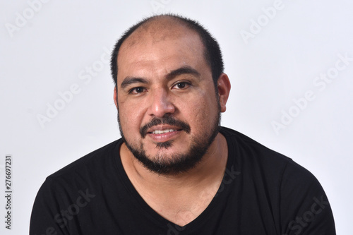 Tableau sur Toile portrait of a latin american man on white background,