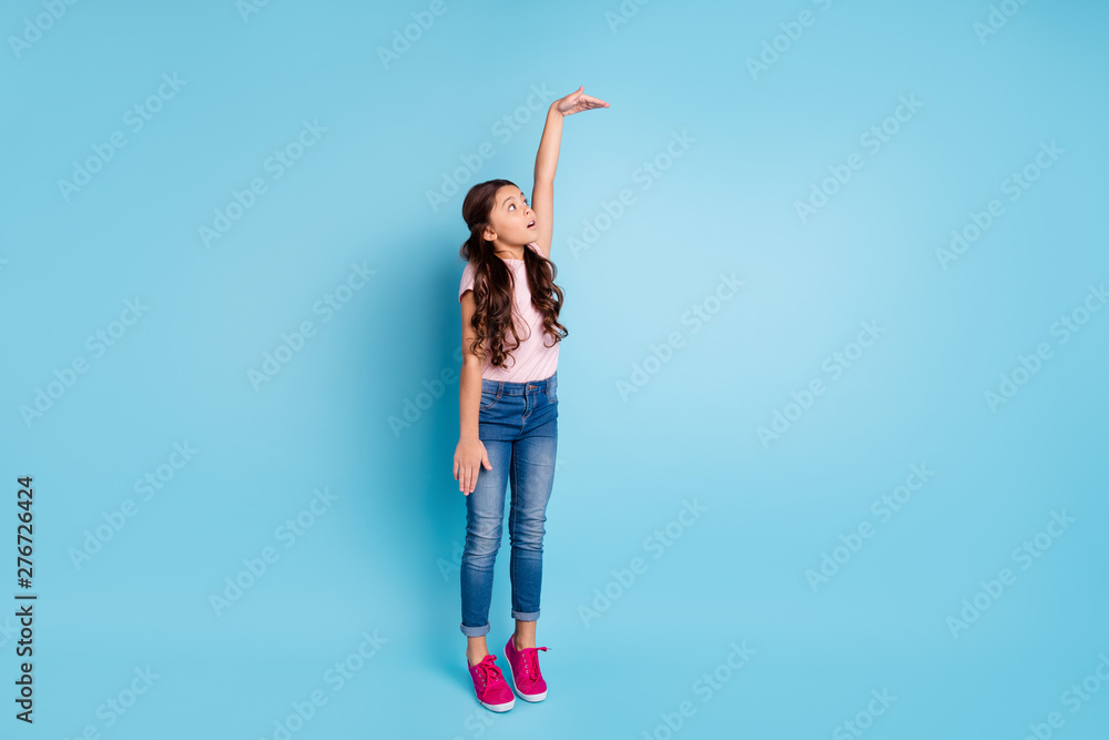Fototapety, obrazy: Full length body size view photo of astonished kid impressed raise arm measurement unbelievable unexpected news open mouth anxious trendy fashionable clothing isolated on pastel background