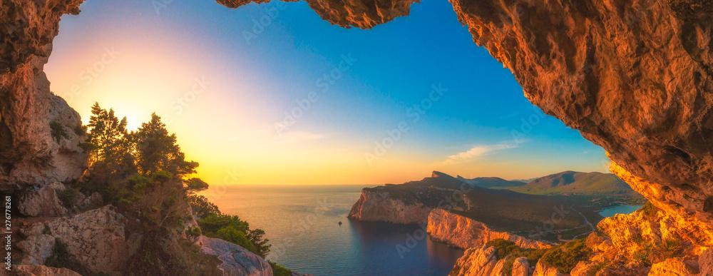 Fototapeta Landscape of the gulf of capo caccia at sunset from grotta dei vasi rotti - Sardinia