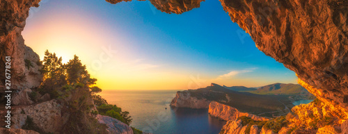 Tuinposter Natuur Landscape of the gulf of capo caccia at sunset from grotta dei vasi rotti - Sardinia