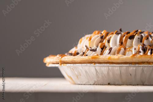 Obraz na plátně  A beautiful sea salt caramel chocolate creme pie