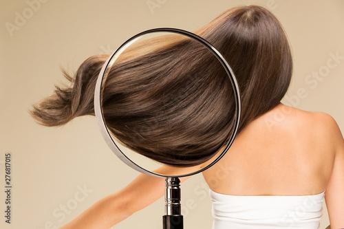 Photo 女性の髪の毛・ルーペ
