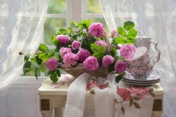 FototapetaStill life with beautiful bouquet of pink roses in the interior
