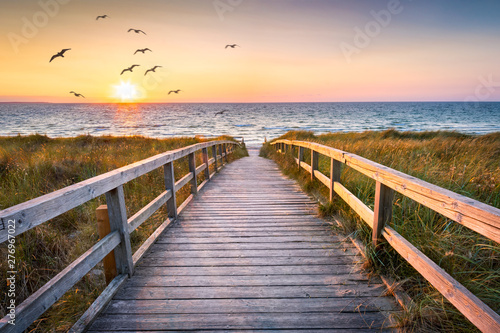 Foto auf Gartenposter See sonnenuntergang Beautiful beach with dunes at sunset, Germany