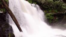 Close Up Of Waterfall Rushing Over Edge At Abrams Falls 4k