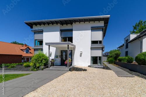Fototapeta Stadtvilla, hochwertig, Haus für die Familie obraz