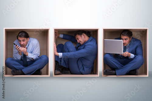 Obraz Employee working in tight space - fototapety do salonu