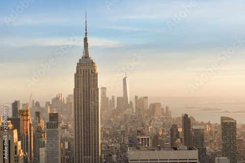 Fotografia  Top view of Manhattan Island and Empire State buildings