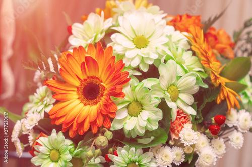Papiers peints Gerbera Bouquet of white and orange gerberas