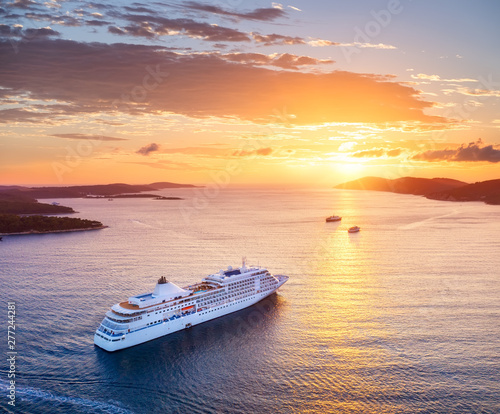 fototapeta na ścianę Croatia. Aerial view at the cruise ship during sunset. Adventure and travel. Landscape with cruise liner on Adriatic sea. Luxury cruise. Travel - image