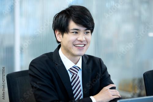 笑顔のビジネスマン Wallpaper Mural