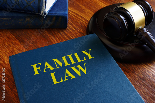Deurstickers Graffiti collage Book family law about divorce and separation.