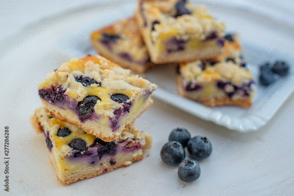 Fototapety, obrazy: Home made blueberry pie with vanilla streusel