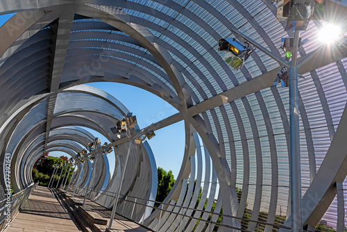 Photo Modern Arganzuela bridge. Madrid, Spain.