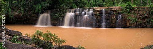 Foto op Canvas Grijze traf. Panoramic beautiful deep forest waterfall in Thailand