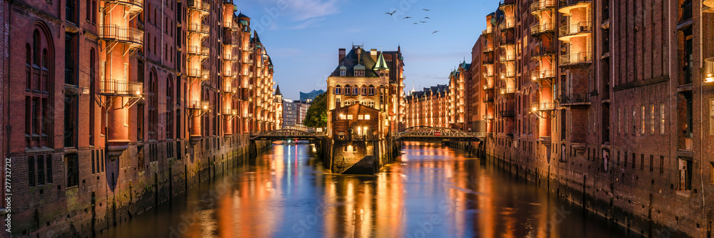 Fototapety, obrazy: Speicherstadt panorama in Hamburg, Germany