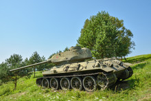 Detailed Look At Soviet T34 Tank From WW2 In Valley Of Death