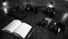The Photographer's Desk, Digit...