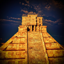 The Stairs Of Mayan Temple 3d ...