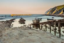Barche Di Pescatori Alla Seggiola Del Papa Al Passetto Di Ancona