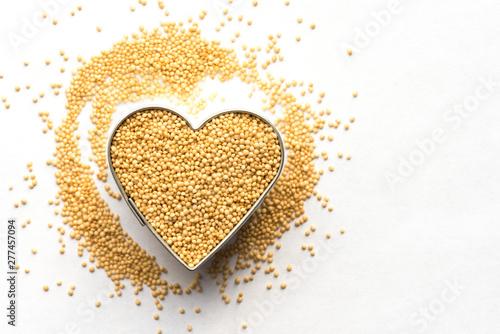 Photo Amaranth Grain in a Heart Shape