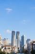 東京 住宅街から望む新宿高層ビル街