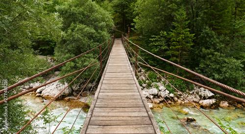 Cadres-photo bureau Amsterdam pont en bois suspendu, rivière de la soca en slovénie