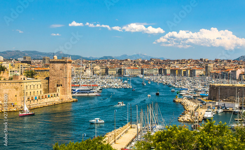 Foto auf AluDibond Schiff Panoramic view of Marseille and old port