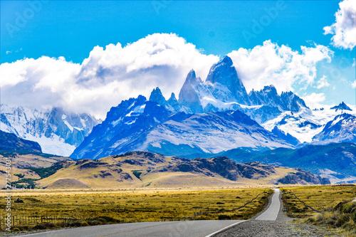 malownicze góry Torres del Paine w Patagonii