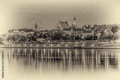 Fototapeta Warszawa panorama Starego Miasta nad Wisłą w nocy obraz