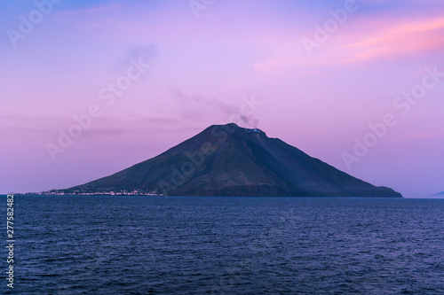Foto auf AluDibond Flieder The majestic Eolian island of Stomboli view from the sea, active volcano in Italy
