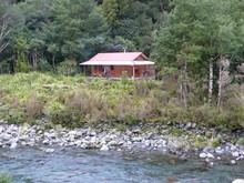 Roaring Stag Hut: Tararua Forest Park New Zealand
